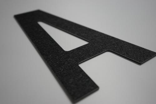 lettre en dibond structure