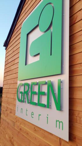 Enseigne Alupanel green interim pour AWI Publicité